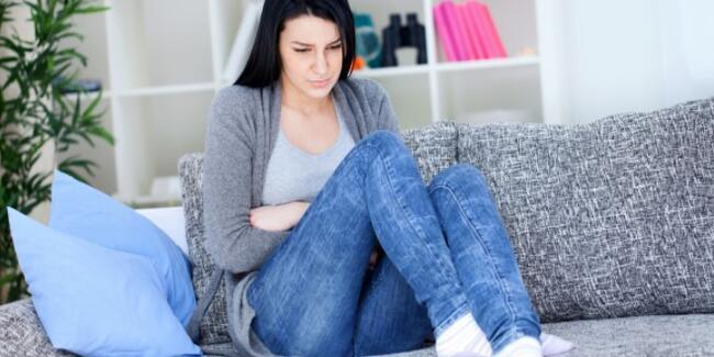 Mide ağrısı neden olur? Mide ağrısı için dua var mı? Ne iyi gelir? Nasıl geçer?