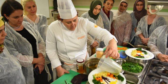 Anneler obeziteye karşı 'neşeli tabaklar' hazırlıyor