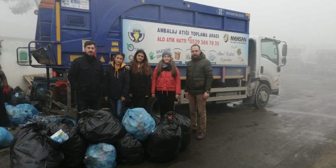 Turgutlu'da atıklar sokak hayvanları için mama oldu