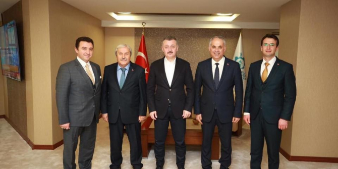 Belediye başkanlarından Büyükşehir Belediye Başkanı Büyükakın'a ziyaret