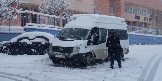 Hakkari'de kar lastiği ve zincir denetimi