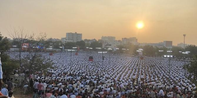 Hindistan'da sağcı örgütün yürüyüşü Nazi askerlerine benzetildi