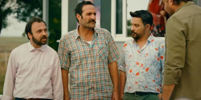 """""""Kırk Yalan"""" film ekibi İzmir'deki galaya katılacak"""