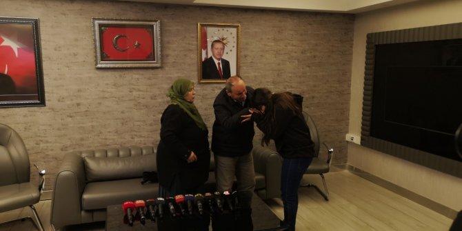 HDP önündeki ailelerden biri daha çocuğuna kavuştu (2)
