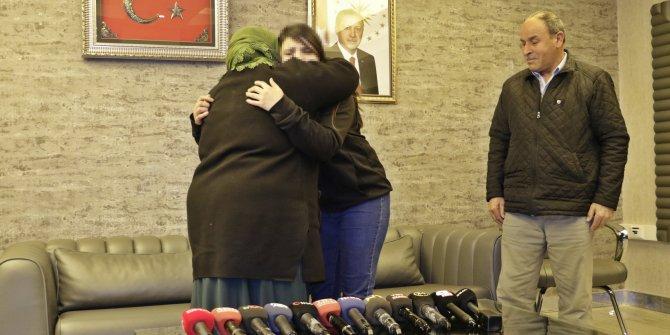HDP önündeki ailelerden biri daha çocuğuna kavuştu (3)