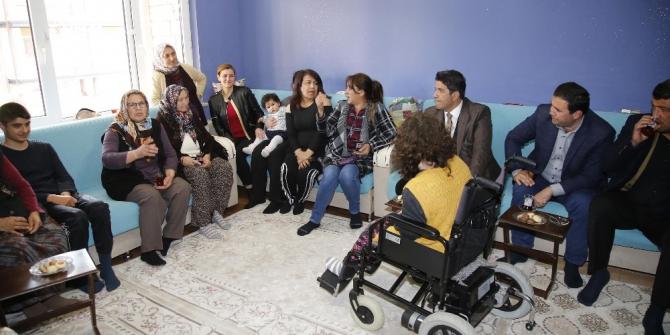 Döşemealtı Belediyesi'nin Sosyal Marketi binlerce aileye ulaştı
