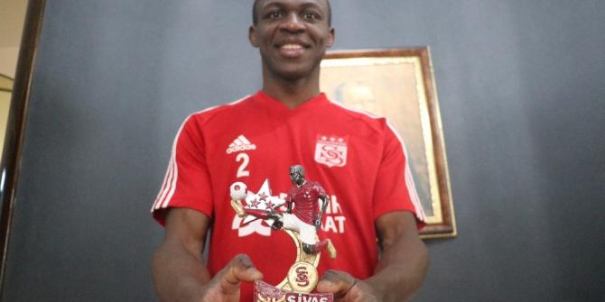 Sivasspor'un yıldızı Kone'yi mutlu eden hediye