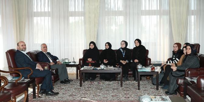 Rektör Çomaklı, Yedi Hilal Derneği hanımlar birimi ile bir araya geldi