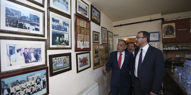 Bakan Kasapoğlu'ndan Taksim Spor Kulübü'ne ziyaret