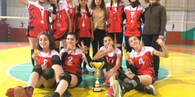 Isparta'da filede şampiyon IYAŞ Selçuklu Orta Okulu
