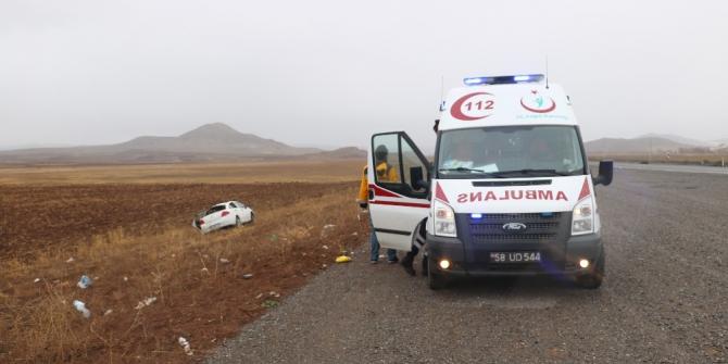 Sivas'ta trafik kazası:2 yaralı