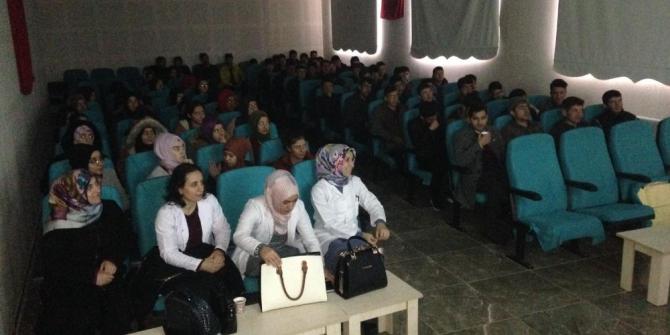 Öğrencilere başarı ve motivasyon semineri verildi