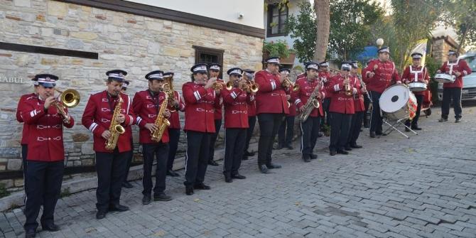 73 yıllık Kuşadası Belediye Bandosu'nun tarihi sergileniyor