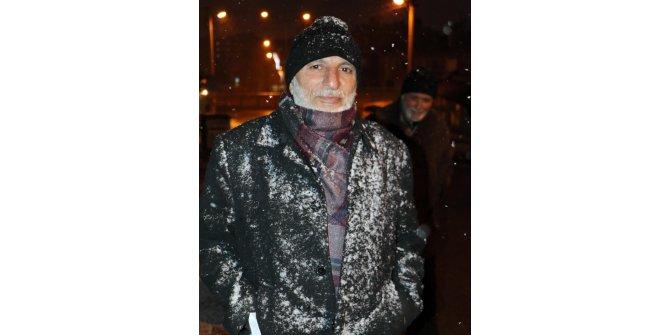 Erzurum'da yağmaya başlayan kar sevindirdi