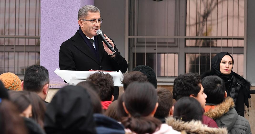 Üsküdar Belediyesi'nden Fatih Ortaokulu'na muhteşem hediye: ''Titrek''