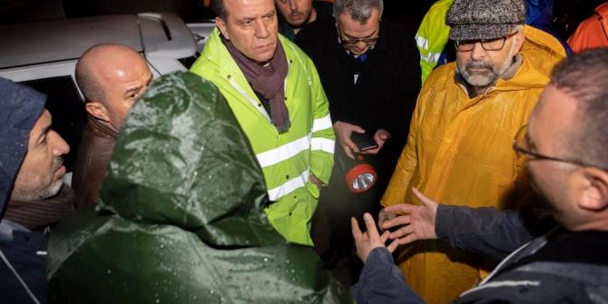 Başkan Seçer, selden etkilenen Tırmıl Sanayi Sitesi'nde incelemelerde bulundu