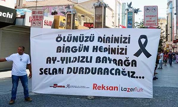 Antalya'da HDP'lileri kızdıran afiş