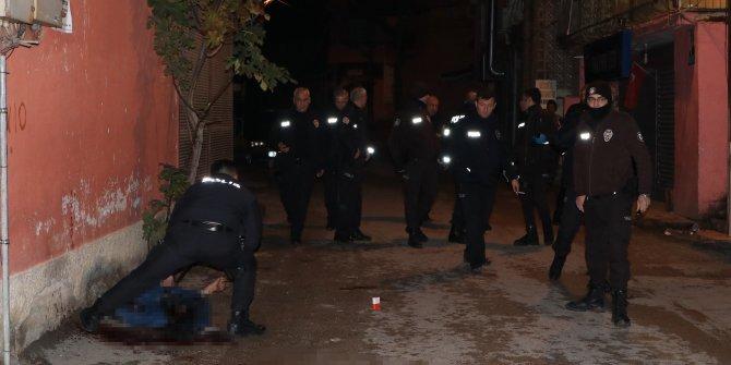 Sokak ortasında silahlı çatışma: 1 yaralı