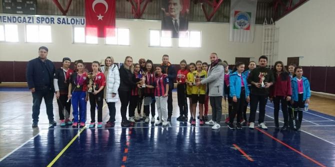 Badminton Yıldız Kadınlar İl Birinciliği Tamamlandı