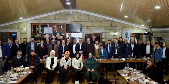 MÜSİAD İzmir'de SENYAP Yatırım Ortaklığı ve GABORAS Gayrimenkul Borsası tanıtımı