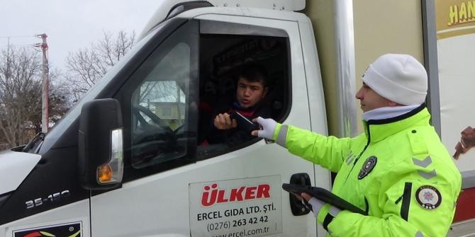 Kış lastiği takmayan ticari araçlara ceza uygulandı