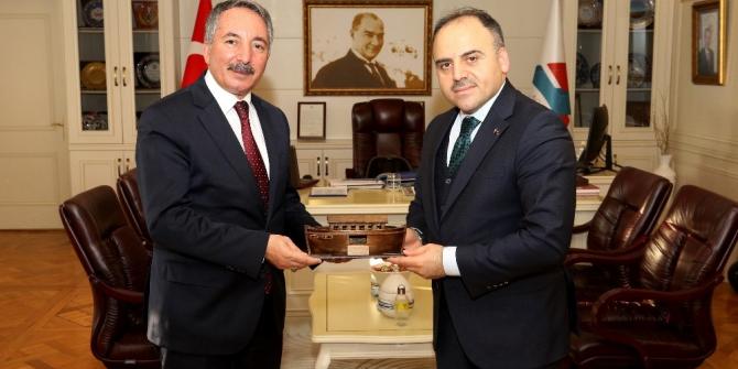 AİÇÜ Rektörü Prof. Dr. Karabulut, TÜRKŞEKER Genel Müdürü Alkan'ı misafir etti