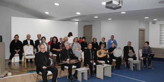 Huzurevi sakinlerine Türk Halk Müziği konseri