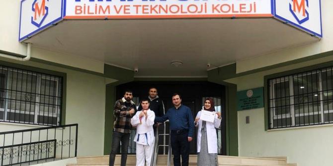 Okullar arası karate müsabakaları sonuçlandı