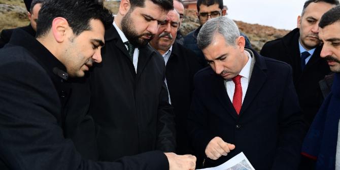 Başkan Çınar, yol güzergahlarını inceledi