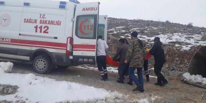 Rahatsızlanan kadın, karla kapanan yolun açılmasıyla hastaneye ulaştırıldı