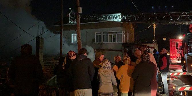 İstanbul - Kartal'da gecekondu yangını