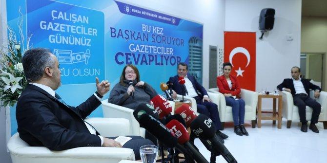 Bursa'da başkan sordu, gazeteciler yanıtladı