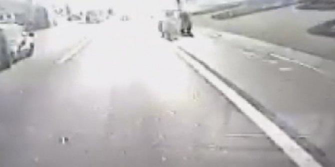 Ümraniye TEM Otoyolu'nda feci kaza kamerada: 2 ölü