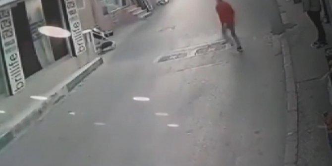 Bebek arabasını durduran genç faciayı önledi