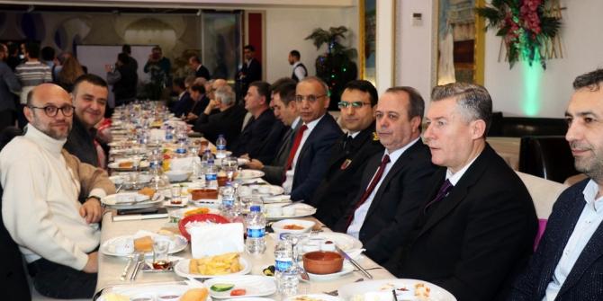 Vali Nayir, gazetecilerle buluştu