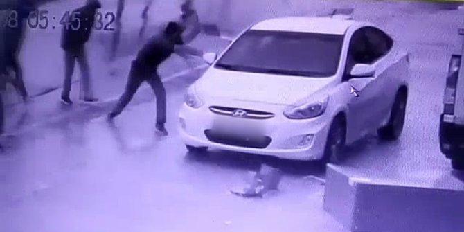 Elazığ'da otomobilden hırsızlık kamerada