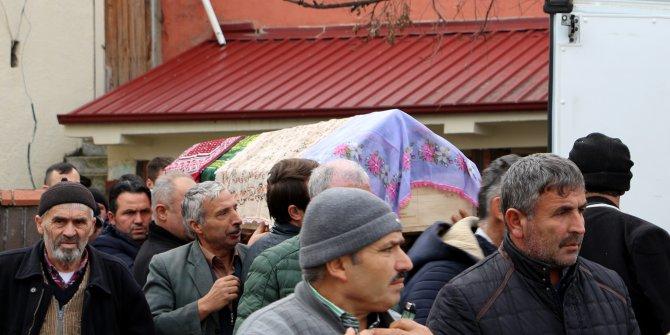 İstanbul'da aynı gün ölen iki kadın, Tokat'ta toprağa verildi