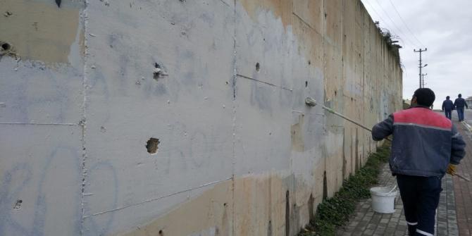 Körfez'de duvar yazıları temizleniyor