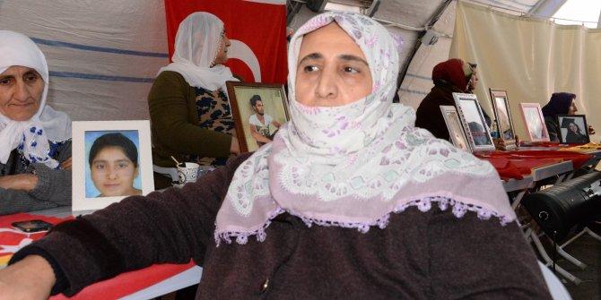 Diyarbakır'da HDP önündeki 1 aile daha evladına kavuştu (3)