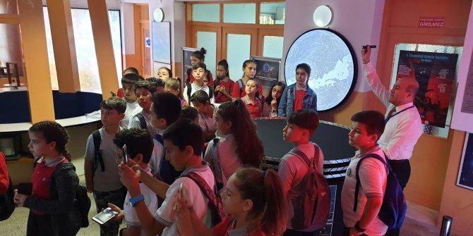 İzmir'deki gözlemevi, Türkiye'nin en büyük gök taşına ev sahipliği yapıyor
