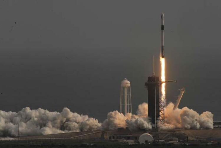 SpaceX acil durum testini başarıyla geçti