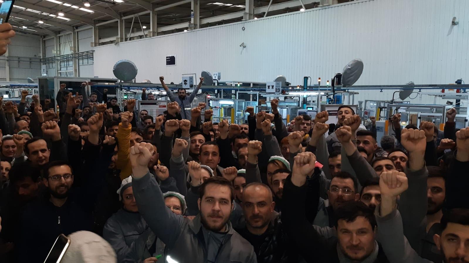 Bursa'daki fabrikada 850 işçi, iş bıraktı