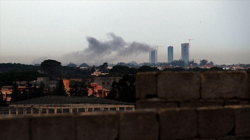 Hafter milisleri Mitiga Havalimanı'nı füzeyle vurdu