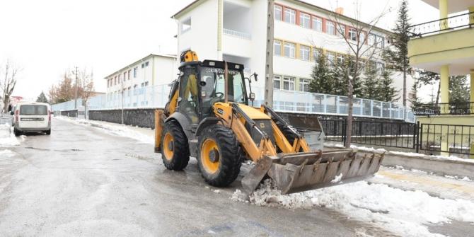 Çorum Belediyesi'nde kar mesaisi
