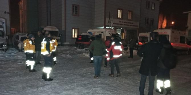 Van'dan 32 kişilik sağlık ekibi Elazığ'a gitti