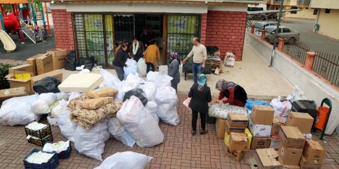 Mersin'den deprem bölgesine yardımlar yola çıktı