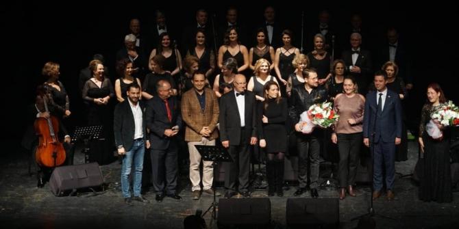 Çorlu Müzik Derneği Atatürk Evi için söyledi