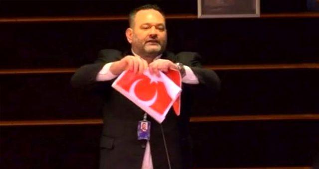 Adalet Bakanı Gül, Türk bayrağını yırtan vekile karşı harekete geçti