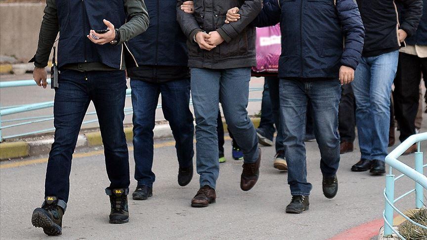 İzmir'de FETÖ operasyonu: 54 gözaltı kararı