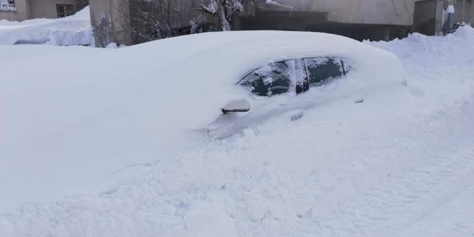 Tatvan'da 2 günde 2 metre kar yağdı ile ilgili görsel sonucu